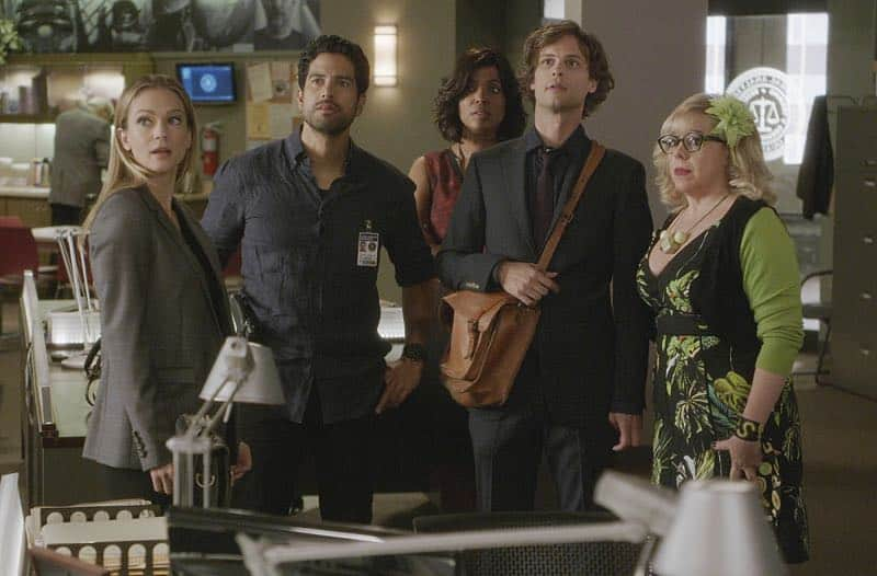 """Elliott's Pond"" -- When three children disappear while riding their bikes on the same path as a similar unsolved disappearance 30 years ago, the BAU team comes in to investigate, on CRIMINAL MINDS, Wednesday, Nov. 16 (9:00-10:00 PM, ET/PT), on the CBS Television Network. Series star Matthew Gray Gubler directed the episode. Pictured: A.J. Cook (Jennifer ""JJ"" Jareau), Adam Rodriguez (Luke Alvez), Aisha Tyler (Dr. Tara Lewis), Matthew Gray Gubler (Dr. Spencer Reid), Kirsten Vangsness (Penelope Garcia)"