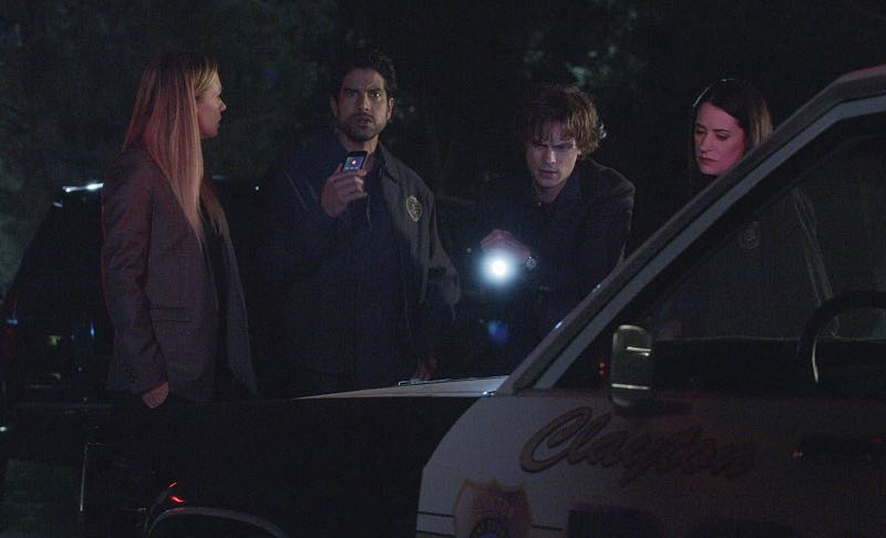 """Elliott's Pond"" -- When three children disappear while riding their bikes on the same path as a similar unsolved disappearance 30 years ago, the BAU team comes in to investigate, on CRIMINAL MINDS, Wednesday, Nov. 16 (9:00-10:00 PM, ET/PT), on the CBS Television Network. Series star Matthew Gray Gubler directed the episode. Pictured: A.J. Cook (Jennifer ""JJ"" Jareau), Adam Rodriguez (Luke Alvez), Matthew Gray Gubler (Dr. Spencer Reid), Paget Brewster (Emily Prentiss)"