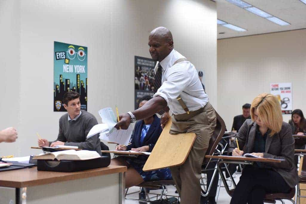 "BROOKLYN NINE-NINE: Terry Crews in the ""The Overmining"" episode of BROOKLYN NINE-NINE airing Tuesday, Dec. 6 (8:00-8:31 PM ET/PT) on FOX. CR: Ray Mickshaw/FOX"