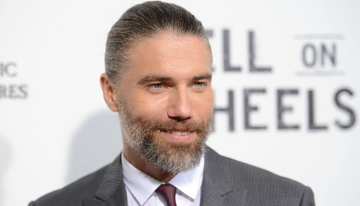 'Star Trek: Discovery' Casts Anson Mount As Captain Pike For Season 2