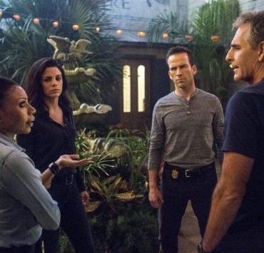 """Swift Silent Deadly"" -- A highly credentialed and skilled special ops marine sends Pride and the NCIS team on a city-wide manhunt after he assaults six men in a bar, on NCIS: NEW ORLEANS, Tuesday, March 14 (9:00-10:00, ET/PT) on the CBS Television Network. Pictured L-R: Shalita Grant as Sonja Percy, Vanessa Ferlito as FBI Special Agent Tammy Gregorio, Lucas Black as Special Agent Christopher LaSalle, and Scott Bakula as Special Agent Dwayne Pride Photo: Skip Bolen/CBS ©2017 CBS Broadcasting, Inc. All Rights Reserved"