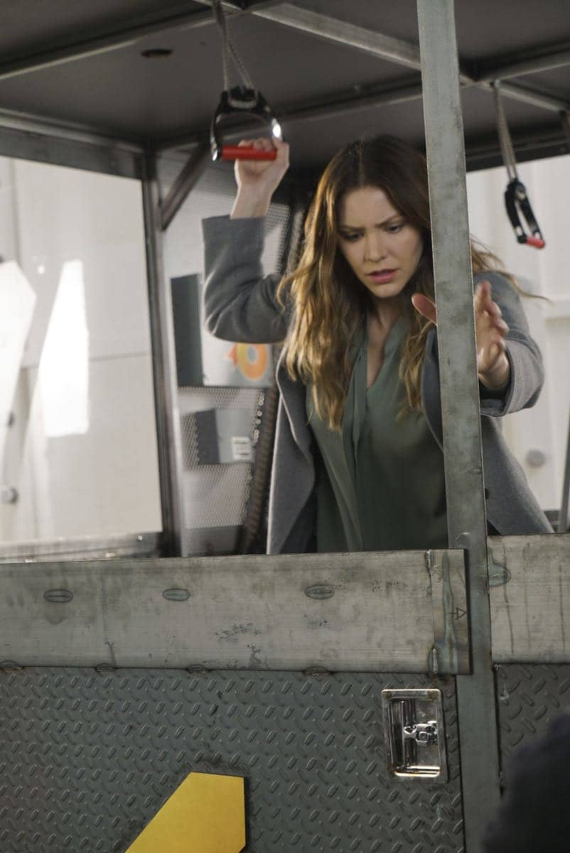 """Broken Wind"" -- While on a mission to repair a turbine at a wind farm, Team Scorpion must race to save Paige and Happy before the cable holding the gondola they are in snaps and sends them plummeting to the ground, on SCORPION, Monday, March 20 (10:00-11:00 PM, ET/PT) on the CBS Television Network. Pictured: Katharine McPhee. Photo: Monty Brinton/CBS ©2017 CBS Broadcasting, Inc. All Rights Reserved"
