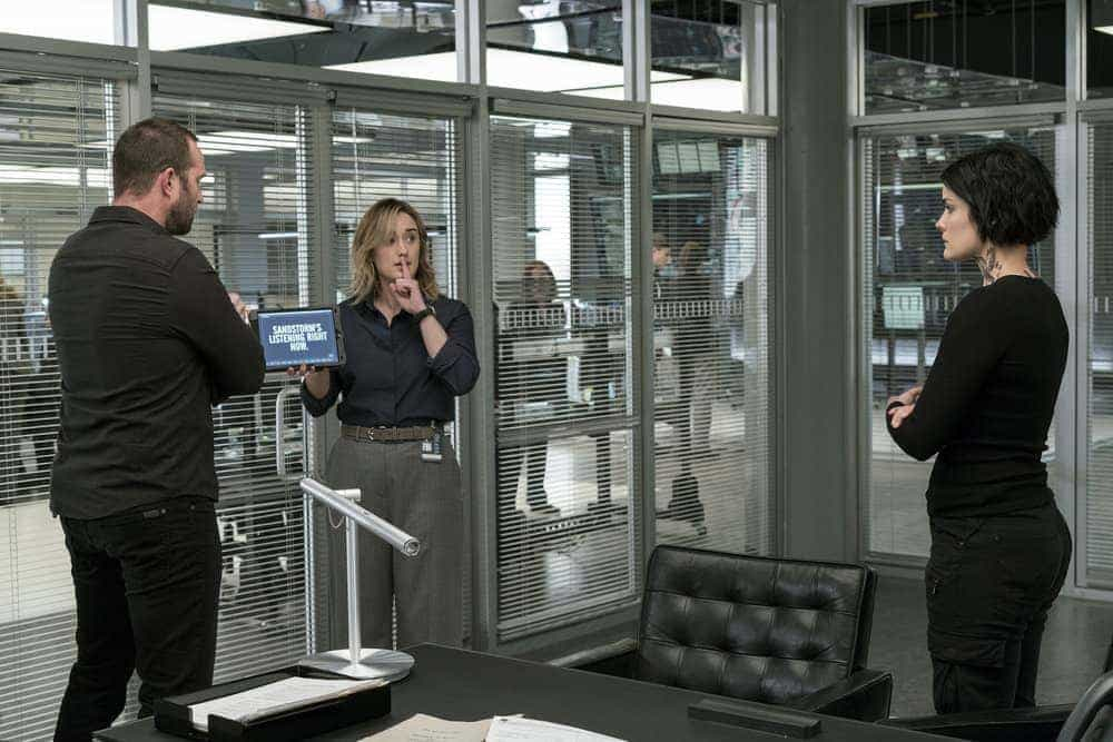 "BLINDSPOT -- ""Evil Did I Dwell, Lewd Did I Live"" Episode 216 -- Pictured: (l-r) Sullivan Stapleton as Kurt Weller, Ashley Johnson as Patterson, Jaimie Alexander as Jane Doe"