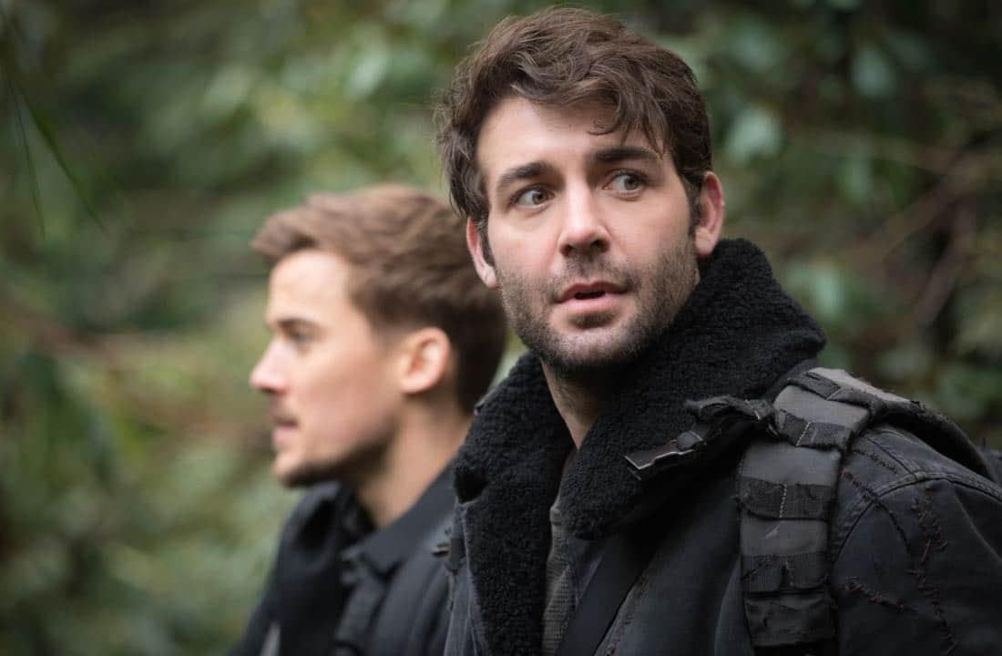 "Zoo ""Ten Years Gone"" Pictured (L-R) Josh Salatin as Logan and James Wolk as Jackson Oz"