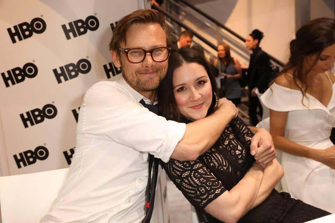 Series star Jimmi Simpson embraces co-star Shannon Woodward at the Warner Bros. booth at Comic-Con 2017 on Saturday, July 22. #WBSDCC (© 2017 WBEI. All Rights Reserved)
