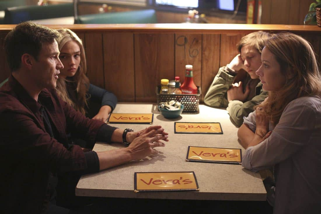 THE GIFTED: L-R: Stephen Moyer, Natalie Alyn Lind, Percy Hynes White and Amy Acker in THE GIFTED premiering this fall on FOX. ©2017 Fox Broadcasting Co. Cr: Ryan Green/FOX