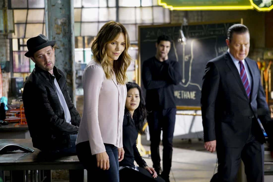 """""""Extinction"""" -- Walter (Elyes Gabel) declares that 'Everything Is Absolutely Genius' when SCORPION begins its 4th season on Monday, Sept. 25 (10:00-11:00 PM, ET/PT) on the CBS Television Network. Pictured: Eddie Kaye Thomas, Katharine McPhee, Jadyn Wong, Elyes Gabel, Robert Patrick. Photo: Sonja Flemming/CBS ©2017 CBS Broadcasting, Inc. All Rights Reserved"""