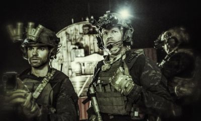 """""""Pilot"""" -- The most elite unit of Navy SEALs must navigate their professional and personal lives as they train, plan and execute the most dangerous, high stakes missions our country can ask of them, on the series premiere of SEAL TEAM, Wednesday, Sept. 27 (9:00-10:00 PM, ET/PT) on the CBS Television Network. Pictured left to right: Daniel Gilles as Nate Massey and David Boreanaz as Jason Hayes. Photo: Skip Bolen/CBS ©2017 CBS Broadcasting, Inc. All Rights Reserved"""