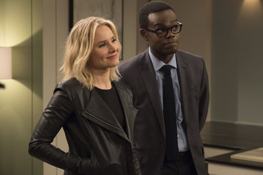 """THE GOOD PLACE -- """"Everything is Great!"""" Episode 201 -- Pictured: (l-r) Kristen Bell as Eleanor, William Jackson Harper as Chidi -- (Photo by: Colleen Hayes/NBC)"""