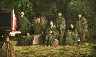 THE LAST MAN ON EARTH: L-R: Mel Rodriguez, guest star Keith Williams, January Jones, Kristen Schaal, Will Forte, Cleopatra Coleman and Mary Steenbugen in the LAST MAN ON EARTH season four premiere Sunday, Oct. 1 (9:30-10:00 PM ET/PT) on FOX. ©2017 Fox Broadcasting Company. Cr: Pamela Littky/FOX