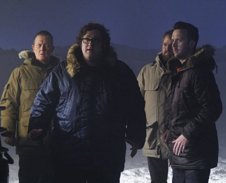 """""""More Extinction"""" -- Team Scorpion continues to work with their nemesis, Mark Collins, in order to prevent an extinction event that could end humanity. Also, Cabe's last-minute decision while on the case leads to the possible end of his career, on SCORPION, Monday, Oct. 2 (10:00-11:00 PM, ET/PT) on the CBS Television Network. Josh Leonard returns as Mark Collins. Pictured: Robert Patrick, Ari Stidham, Josh Leonard, Eddie Kaye Thomas. Photo: Monty Brinton/CBS ©2017 CBS Broadcasting, Inc. All Rights Reserved"""