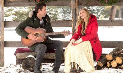 A Song for Christmas Kevin McGarry, Rebecca Tobin Copyright 2017 Crown Media United States, LLC/Photographer: Christos Kalohoridis/Hallmark Channel
