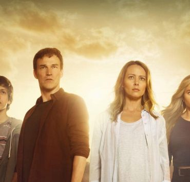THE GIFTED: L-R: Percy Hynes White, Stephen Moyer, Amy Acker and Natalie Alyn Lind in THE GIFTED premiering this fall on FOX. ©2017 Fox Broadcasting Co. Cr: Frank Ockenfels/FOX