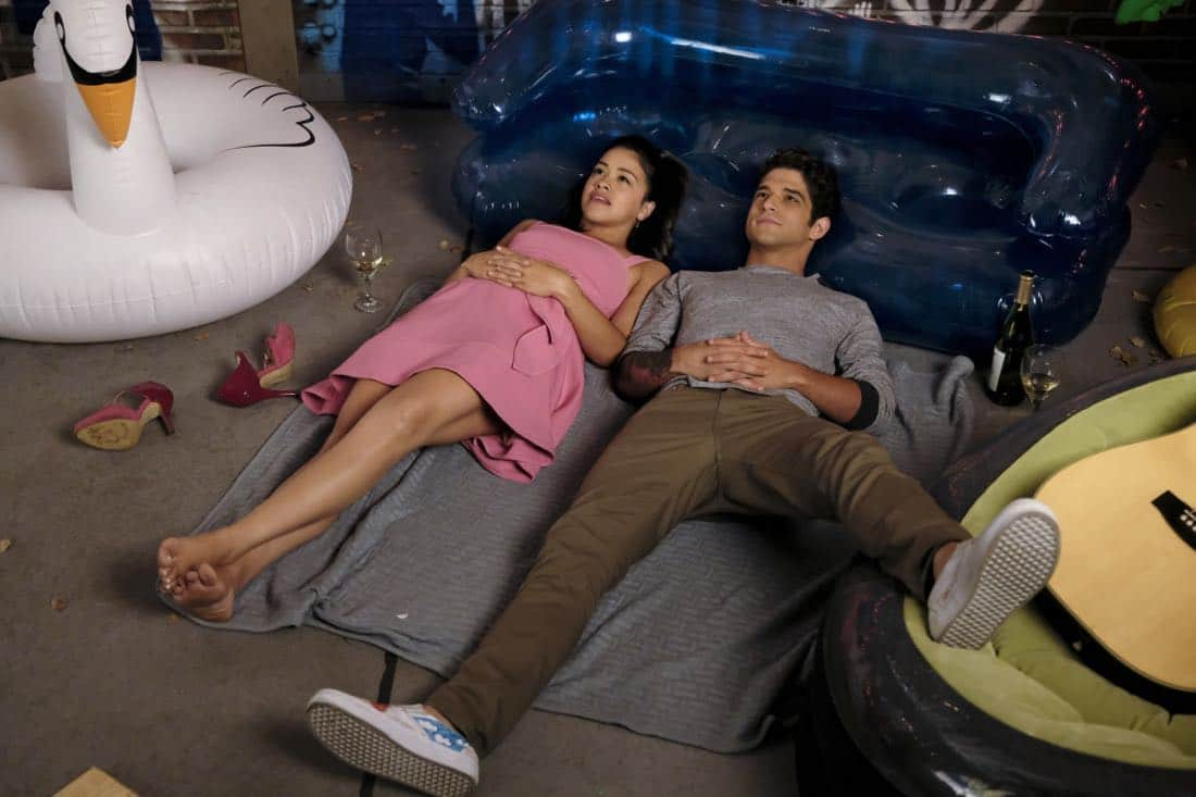"Jane The Virgin -- ""Chapter Sixty-Five"" -- Image Number: JAV401b_0415.jpg -- Pictured (L-R): Gina Rodriguez as Jane and Tyler Posey as Adam -- Photo: Michael Desmond/The CW -- © 2017 The CW Network, LLC. All Rights Reserved."