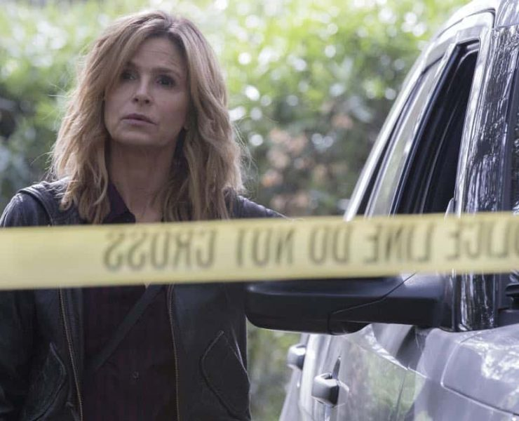 """TEN DAYS IN THE VALLEY - """"Day 1: Fade In"""" - Emmy Award-winning actress Kyra Sedgwick (""""The Closer"""") stars in """"Ten Days in the Valley"""" as Jane Sadler, an overworked television producer and single mother in the middle of a fractious separation. When her young daughter goes missing in the middle of the night, Jane's world - and her controversial police TV show - implodes. Life imitates art: everything is a mystery, everyone has a secret and no one can be trusted. """"Ten Days in The Valley,"""" a thrilling character-driven mystery, will make its series premiere with the episode """"Day 1: Fade In"""" on SUNDAY, OCTOBER 1 (10:00-11:00 p.m. EDT), on ABC. (ABC/Paul Sarkis) KYRA SEDGWICK"""