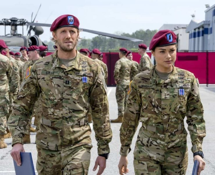"""Valor -- """"Pilot"""" -- Pictured (L-R): Matt Barr as Gallo and Christina Ochoa as Nora -- Photo: Mark Hill/The CW -- © 2017 The CW Network, LLC. All Rights Reserved ."""