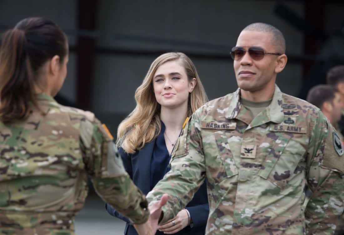 """Valor -- """"Pilot"""" -- Pictured (L-R): Melissa Roxburgh as Thea and Nigel Thatch as Col. Robert Haskins -- Photo: Erika Doss/The CW -- © 2017 The CW Network, LLC. All Rights Reserved."""