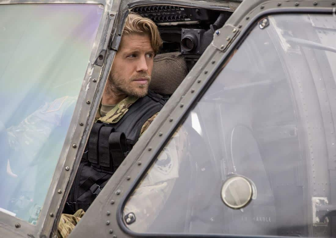 """Valor -- """"Pilot"""" -- Pictured (L-R): Matt Barr as Gallo -- Credit: Erika Doss/The CW © 2017 The CW Network, LLC. All Rights Reserved"""
