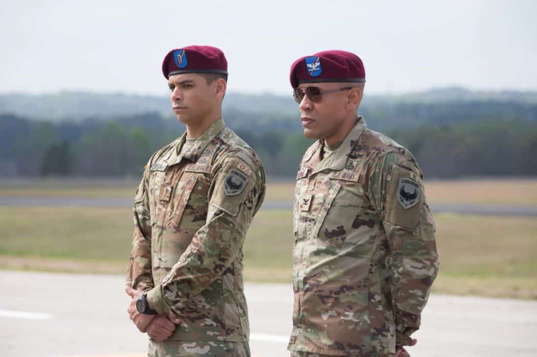 """Valor -- """"Pilot"""" -- Pictured (L-R): Charlie Barnett as Ian and Nigel Thatcher as Col. Robert Haskins -- Photo: Erika Doss/The CW © 2017 The CW Network, LLC. All Rights Reserved."""