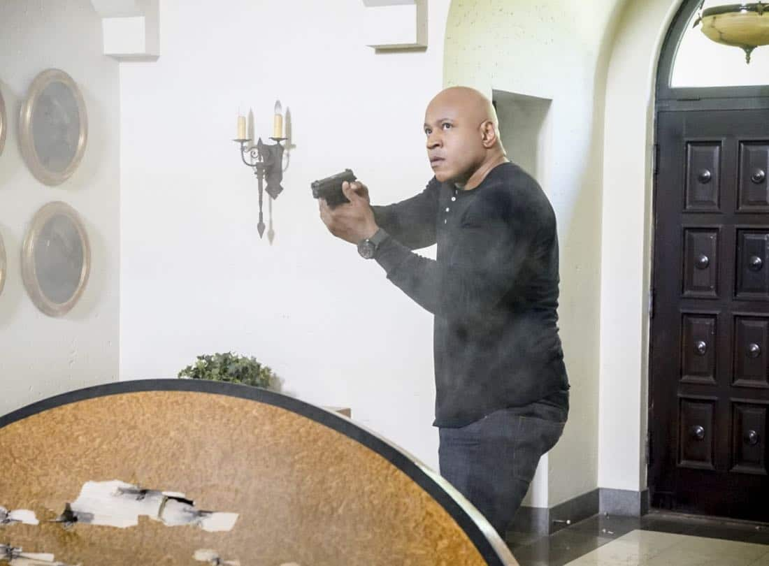 """""""Assets"""" -- Pictured: LL COOL J (Special Agent Sam Hanna). During the murder investigation of a Navy Lieutenant on leave in Los Angeles, the NCIS team uncovers classified surveillance briefs she smuggled into the city that may have been sold to a foreign buyer, on NCIS: LOS ANGELES, Sunday, Oct. 8 (9:00-10:00 PM, ET/PT) on the CBS Television Network. Photo: Bill Inoshita/CBS ©2017 CBS Broadcasting, Inc. All Rights Reserved."""