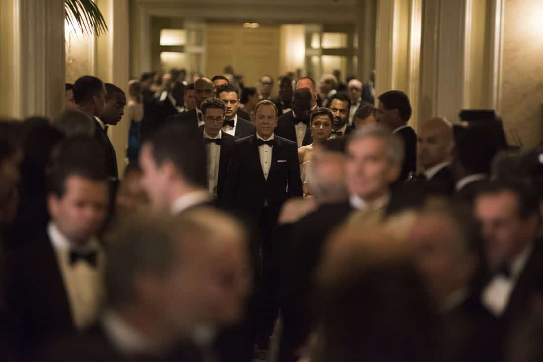 """DESIGNATED SURVIVOR - """"Sting of the Tail"""" - FBI Agent Hannah Wells finally closes in on Patrick Lloyd, but when the president decides to take action during the White House Correspondents Dinner, members of the Homeland Security Council threaten to derail their plans, on """"Designated Survivor,"""" airing WEDNESDAY, OCTOBER 4 (10:00-11:00 p.m. EDT). (ABC/John Medland) LAMONICA GARRETT, PAULO COSTANZO, ADAN CANTO, KIEFER SUTHERLAND, ITALIA RICCI, KAL PENN"""