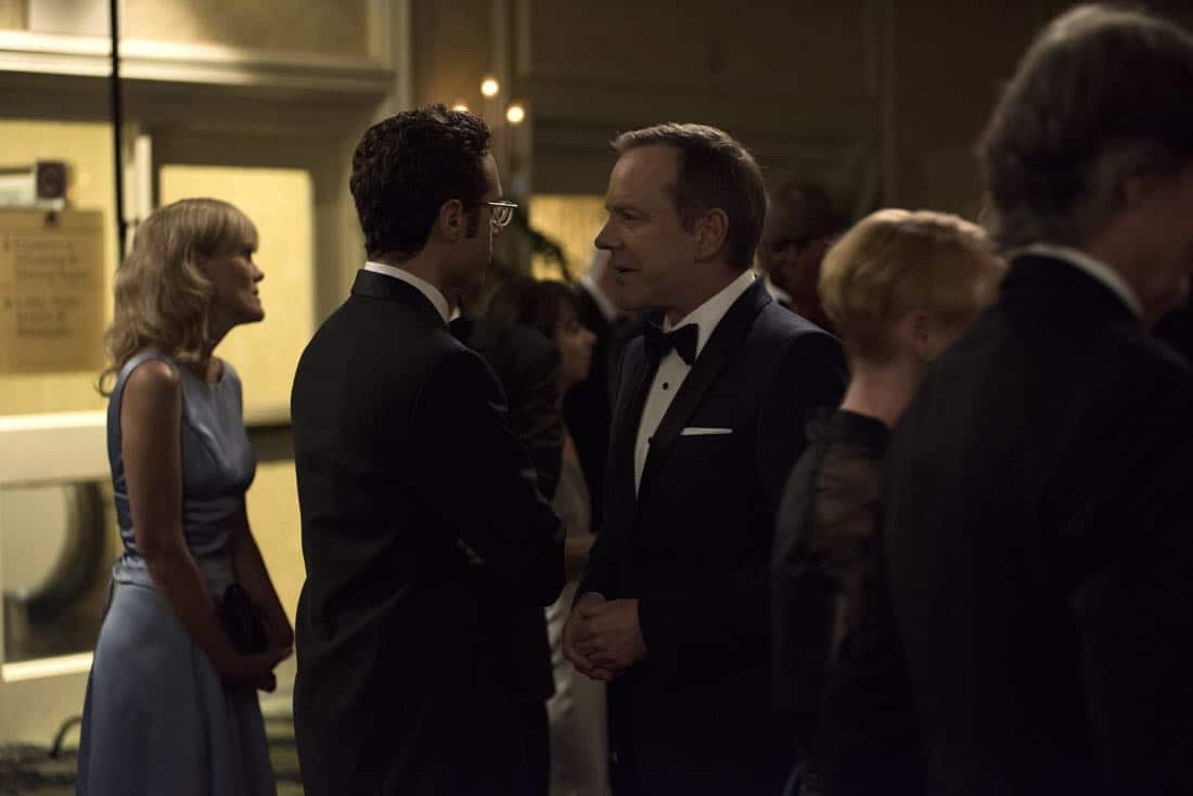 """DESIGNATED SURVIVOR - """"Sting of the Tail"""" - FBI Agent Hannah Wells finally closes in on Patrick Lloyd, but when the president decides to take action during the White House Correspondents Dinner, members of the Homeland Security Council threaten to derail their plans, on """"Designated Survivor,"""" airing WEDNESDAY, OCTOBER 4 (10:00-11:00 p.m. EDT). (ABC/John Medland) ADAN CANTO, KIEFER SUTHERLAND"""