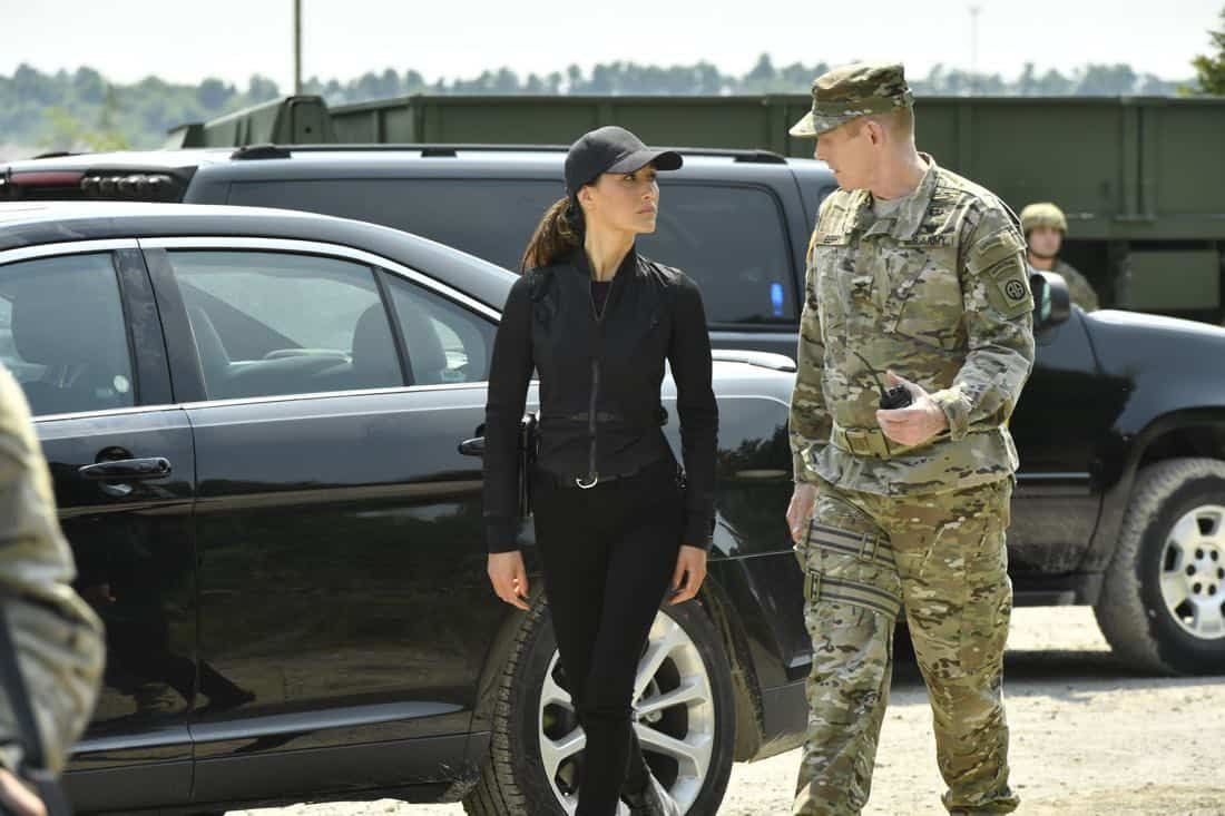 """DESIGNATED SURVIVOR – """"Sting of the Tail"""" – FBI Agent Hannah Wells finally closes in on Patrick Lloyd, but when the president decides to take action during the White House Correspondents Dinner, members of the Homeland Security Council threaten to derail their plans, on """"Designated Survivor,"""" airing WEDNESDAY, OCTOBER 4 (10:00-11:00 p.m. EDT). (ABC/Ben Mark Holzberg) MAGGIE Q, DAVID PATRICK GREEN"""
