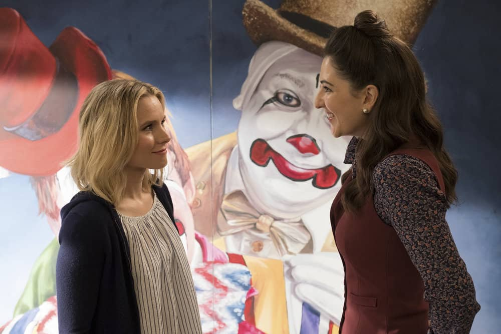 """THE GOOD PLACE -- """"Team Cockroach"""" Episode 204 -- Pictured: (l-r) Kristen Bell as Eleanor Shellstrop, D'Arcy Carden as Janet -- (Photo by: Colleen Hayes/NBC)"""