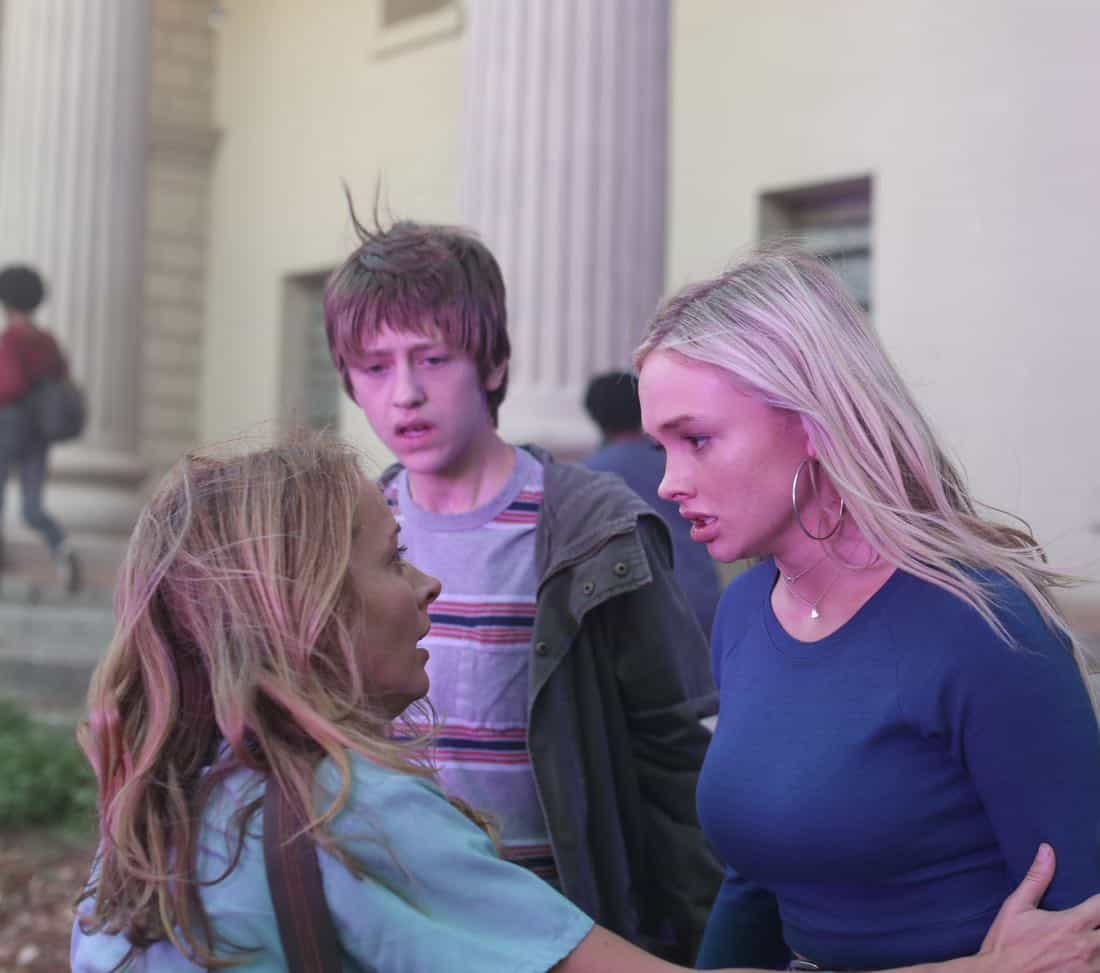 """THE GIFTED:  L-R:  Amy Acker, Percy Hynes White and Natalie Alyn Lind in the """"A New World"""" episode of THE GIFTED airing Monday, Oct. 9 (9:00-10:00 PM ET/PT) on FOX.  ©2017 Fox Broadcasting Co.  Cr:  Eliza Morse/FOX"""