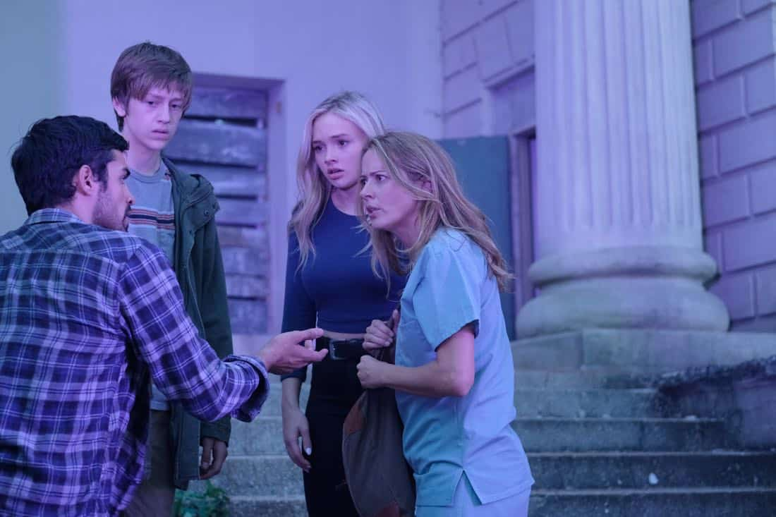 """THE GIFTED:  L-R:  Sean Teale, Percy Hynes White, Natalie Alyn Lind and Amy Acker in the """"A New World"""" episode of THE GIFTED airing Monday, Oct. 9 (9:00-10:00 PM ET/PT) on FOX.  ©2017 Fox Broadcasting Co.  Cr:  Eliza Morse/FOX"""