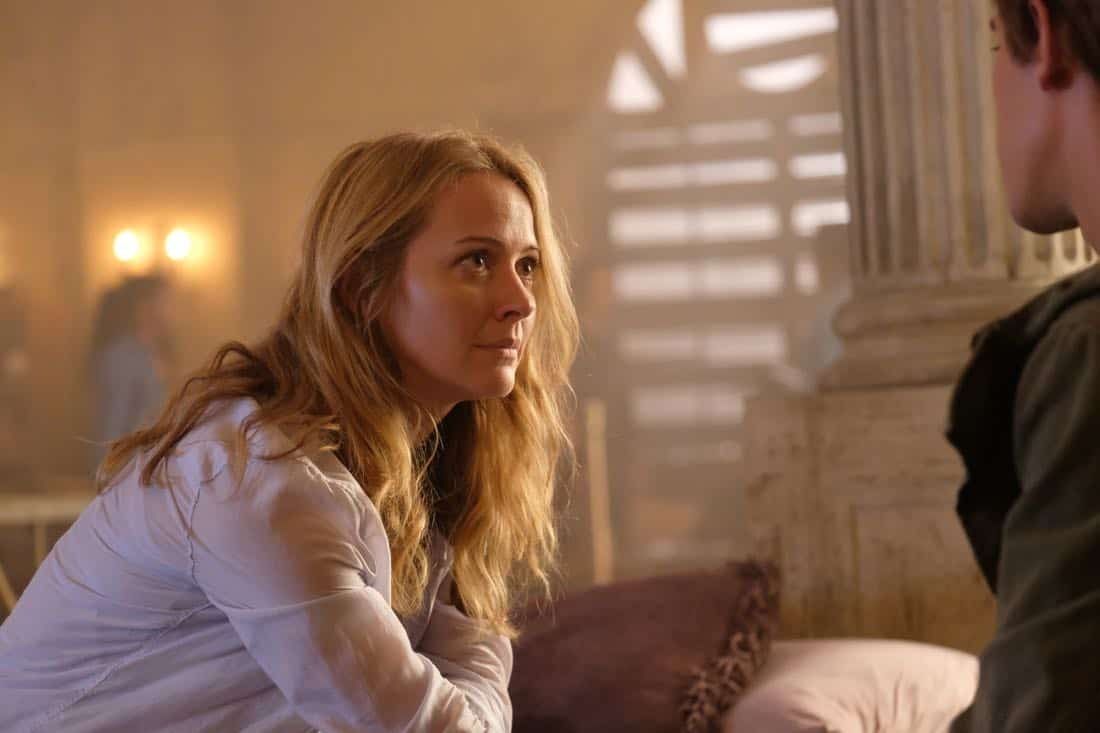 """THE GIFTED:  Amy Acker in the """"A New World"""" episode of THE GIFTED airing Monday, Oct. 9 (9:00-10:00 PM ET/PT) on FOX.  ©2017 Fox Broadcasting Co.  Cr:  Eliza Morse/FOX"""
