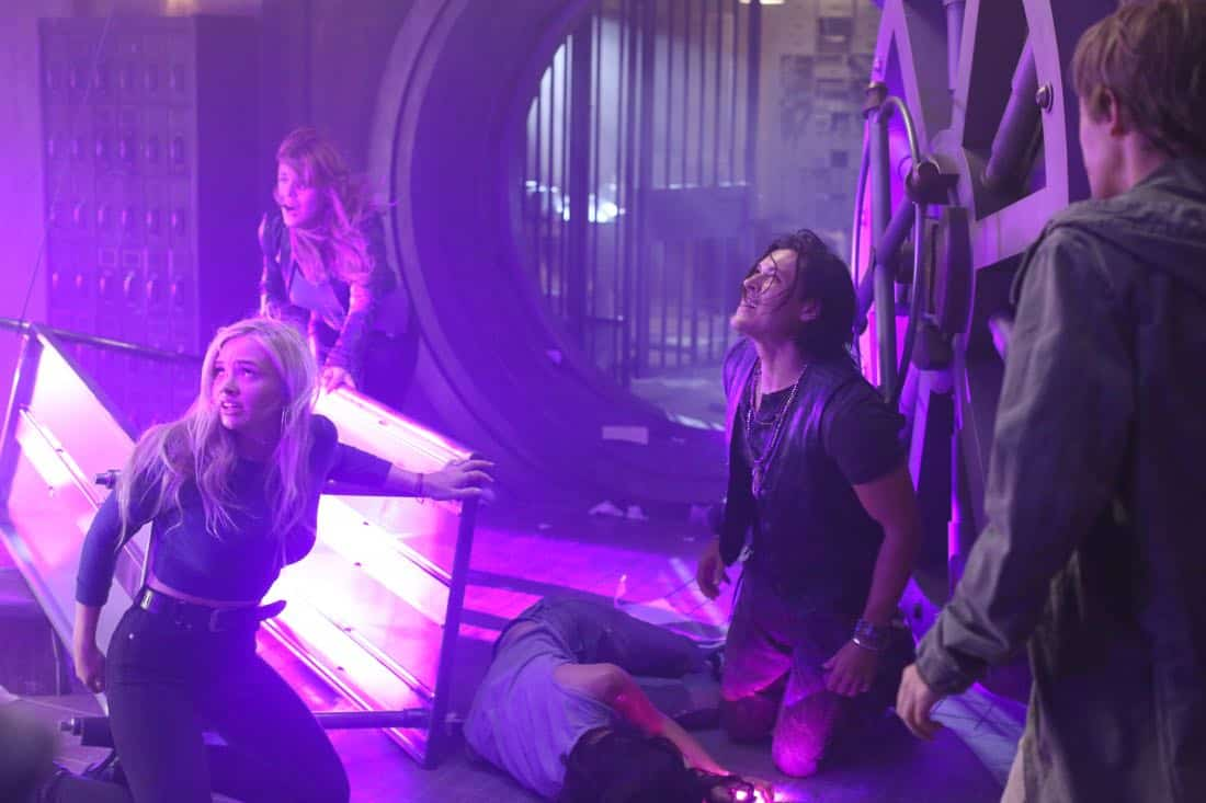 """THE GIFTED:  L-R:  Natalie Alyn Lind, guest star Elaine Satine, Blair Redford and Percy Hynes White in the """"A New World"""" episode of THE GIFTED airing Monday, Oct. 9 (9:00-10:00 PM ET/PT) on FOX.  ©2017 Fox Broadcasting Co.  Cr:  Eliza Morse/FOX"""