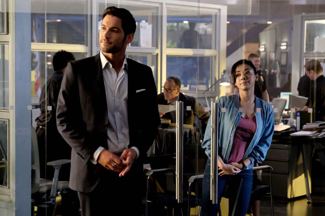 """LUCIFER: L-R: Tom Ellis and Aimee Garcia in the """"They???re Back, Aren???t They?"""" Season Three premiere episode of LUCIFER airing Monday, Oct. 2 (8:00-9:00 PM ET/PT) on FOX.  ©2017 Fox Broadcasting Co. Cr: FOX."""
