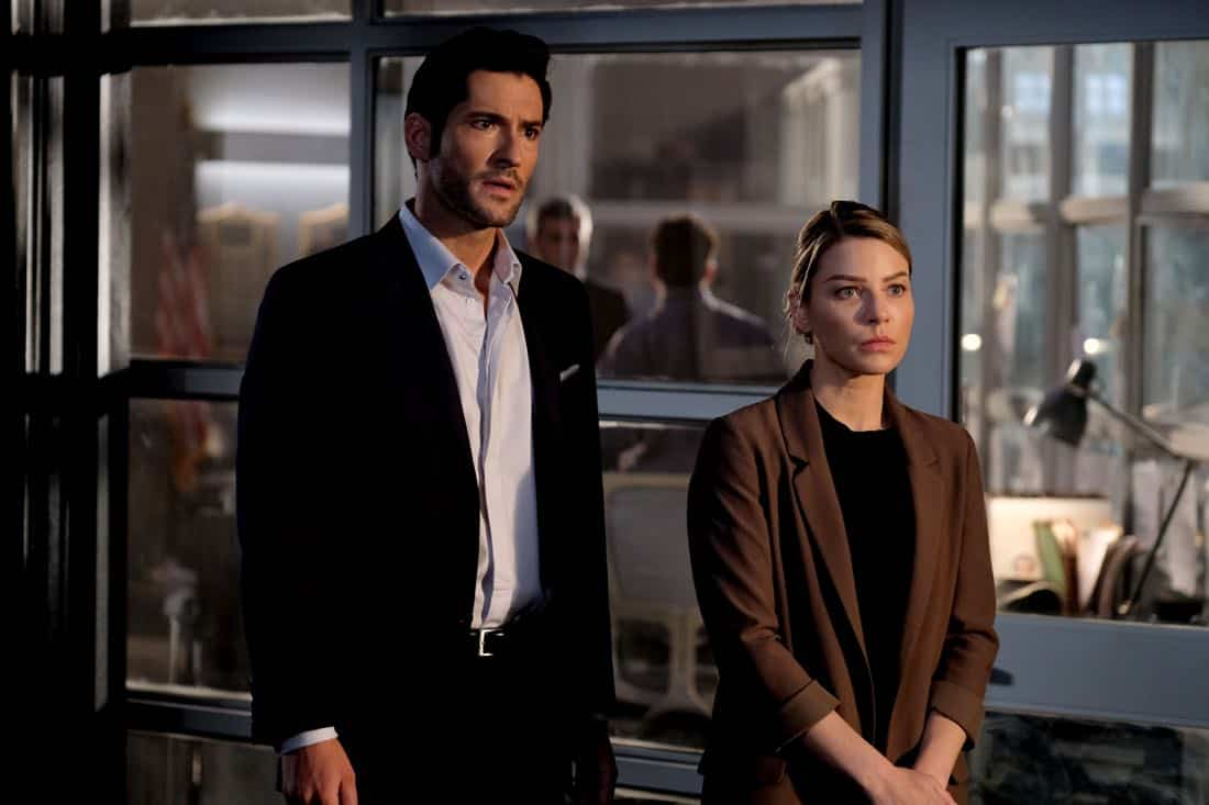 """LUCIFER: L-R: Tom Ellis and Lauren German in the """"They???re Back, Aren???t They?"""" Season Three premiere episode of LUCIFER airing Monday, Oct. 2 (8:00-9:00 PM ET/PT) on FOX.  ©2017 Fox Broadcasting Co. Cr: FOX."""