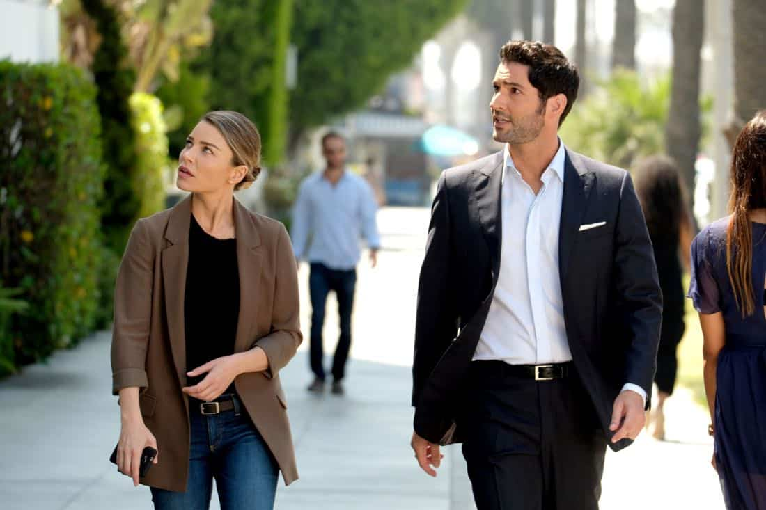 """LUCIFER: L-R: Lauren German and Tom Ellis in the """"They???re Back, Aren???t They?"""" Season Three premiere episode of LUCIFER airing Monday, Oct. 2 (8:00-9:00 PM ET/PT) on FOX. ©2017 Fox Broadcasting Co. Cr: FOX."""