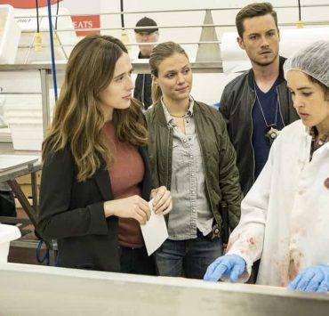 """CHICAGO P.D. -- """"Promise"""" Episode 503 -- Pictured: (l-r) Marina Squerciati as Kim Burgess, Tracy Spiridakos as Hailey Upton, Jesse Lee Soffer as Jay Halstead, Susana Victoria Perez as Lucia -- (Photo by: Matt Dinerstein/NBC)"""