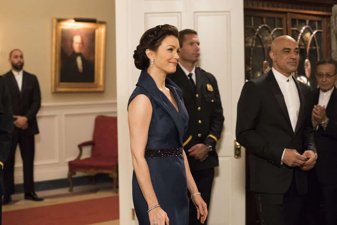"""SCANDAL - """"Pressing the Flesh"""" - President Mellie Grant hosts a state dinner for President Rashad of Bashran in a first step toward peace in the Middle East, and in case Mellie's charm alone doesn't work, Olivia secretly puts Jake to work so that they are armed with a back-up plan. Meanwhile, the team at Quinn Perkins & Associates attends the party in hopes to gain more high-profile clientele, on """"Scandal,"""" airing THURSDAY, OCTOBER 12 (9:00-10:00 p.m. EDT), on The ABC Television Network. (ABC/Mitch Haaseth) BELLAMY YOUNG"""