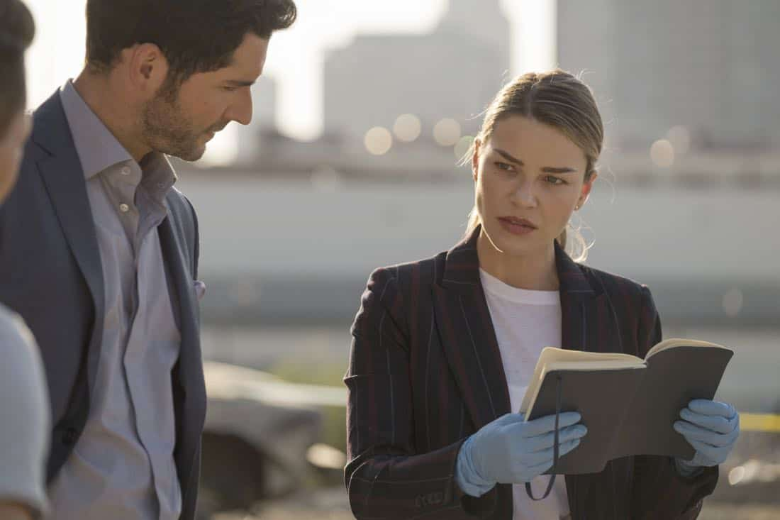 "LUCIFER: L-R: Tom Ellis and Lauren German in the ""The One With The Baby Carrot"" episode of LUCIFER airing Monday, Oct. 9 (8:00-9:00 PM ET/PT) on FOX. Cr: John P Flexor/FOX"