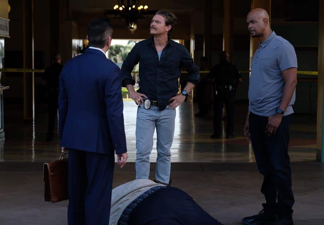 "LETHAL WEAPON: Pictured L-R:  Guest star Thomas Lennon, Clayne Crawford and Damon Wayans in the ""Let it Ride"" episode of LETHAL WEAPON airing Tuesday, Oct. 31 (8:00-9:00 PM ET/PT) on FOX. ©2017 Fox Broadcasting Co. CR: Darren Michaels/FOX"