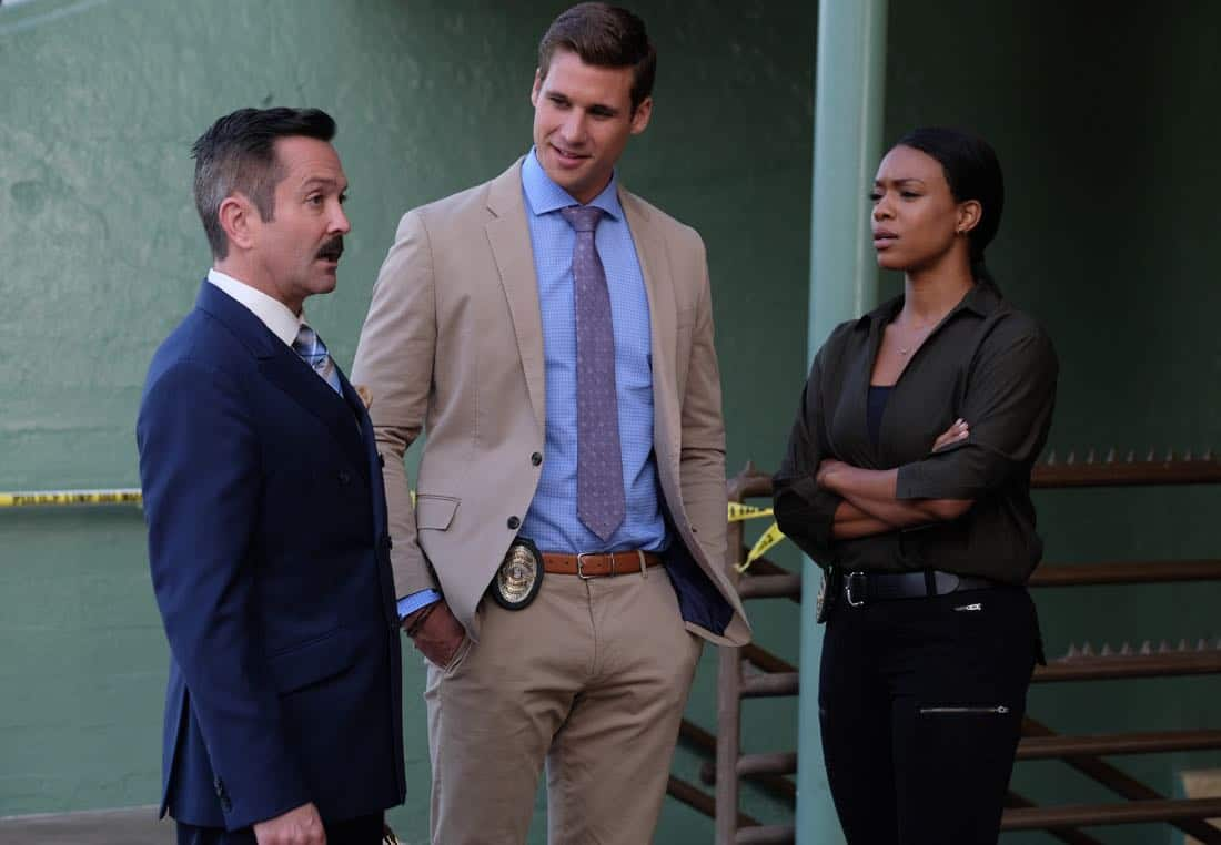 "LETHAL WEAPON: Pictured L-R:  Guest stars Thomas Lennon, Andrew Creer and Michelle Mitchenor in the ""Let it Ride"" episode of LETHAL WEAPON airing Tuesday, Oct. 31 (8:00-9:00 PM ET/PT) on FOX. ©2017 Fox Broadcasting Co. CR: Darren Michaels/FOX"