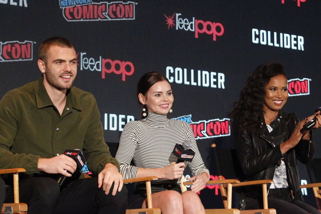 """NY COMIC-CON 2017 - SIREN - Freeform's genre programming was out in full force at this year's New York Comic Con on Saturday, October 7th with executive producers and cast from the hit series """"Shadowhunters,"""" """"Beyond,"""" and new original series """"Siren."""" (Freeform/Lou Rocco) ALEX ROE, ELINE POWELL, FOLA EVANS-AKINGBOLA"""