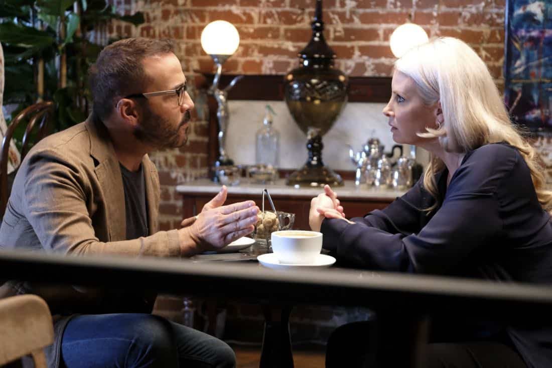 """""""Machine Learning"""" -- Pictured: Jeremy Piven as Jeffrey Tanner and Monica Potter as Alex Hale. After the team puts publicly available crime data into Sophe, the platform exposes a serial killer plaguing Silicon Valley and the Bay Area by connecting previously unrelated murders, on WISDOM OF THE CROWD, Sunday, Oct. 15 (8:30-9:30 PM, ET/PT) on the CBS Television Network.Photo: Patrick Wymore/CBS ©2017 CBS Broadcasting, Inc. All Rights Reserved"""