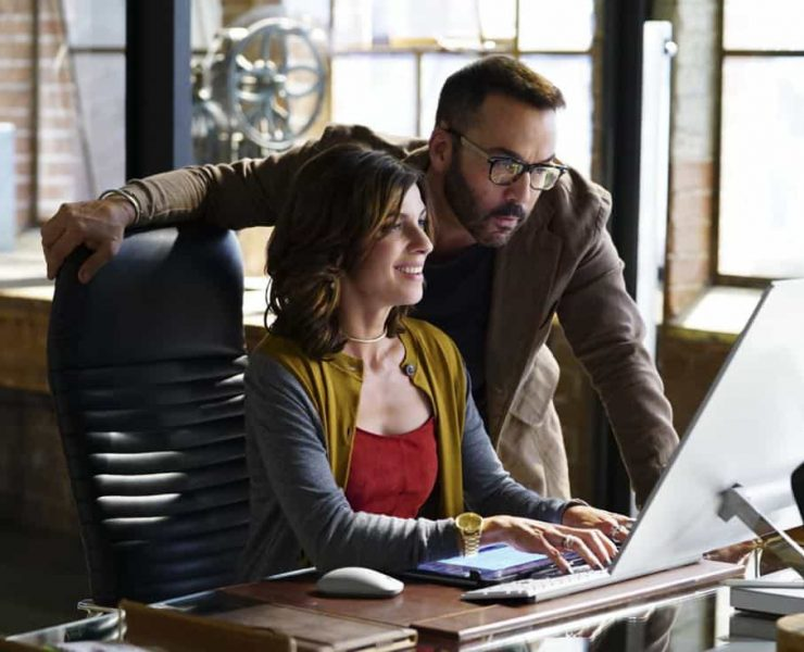 """""""Machine Learning"""" -- Pictured: Natalia Tena as Sara Morton and Jeremy Piven as Jeffrey Tanner. After the team puts publicly available crime data into Sophe, the platform exposes a serial killer plaguing Silicon Valley and the Bay Area by connecting previously unrelated murders, on WISDOM OF THE CROWD, Sunday, Oct. 15 (8:30-9:30 PM, ET/PT) on the CBS Television Network.Photo: Sonja Flemming/CBS ©2017 CBS Broadcasting, Inc. All Rights Reserved"""