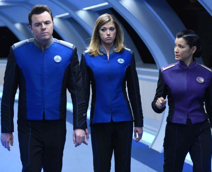 """THE ORVILLE: L-R: Seth MacFarlane, Adrianne Palicki and guest star Kelly Hu in the """"Krill"""" episode of THE ORVILLE airing Thursday, Oct. 12 (9:01-10:00 PM ET/PT) on FOX. ©2017 Fox Broadcasting Co. Cr: Michael Becker/FOX"""
