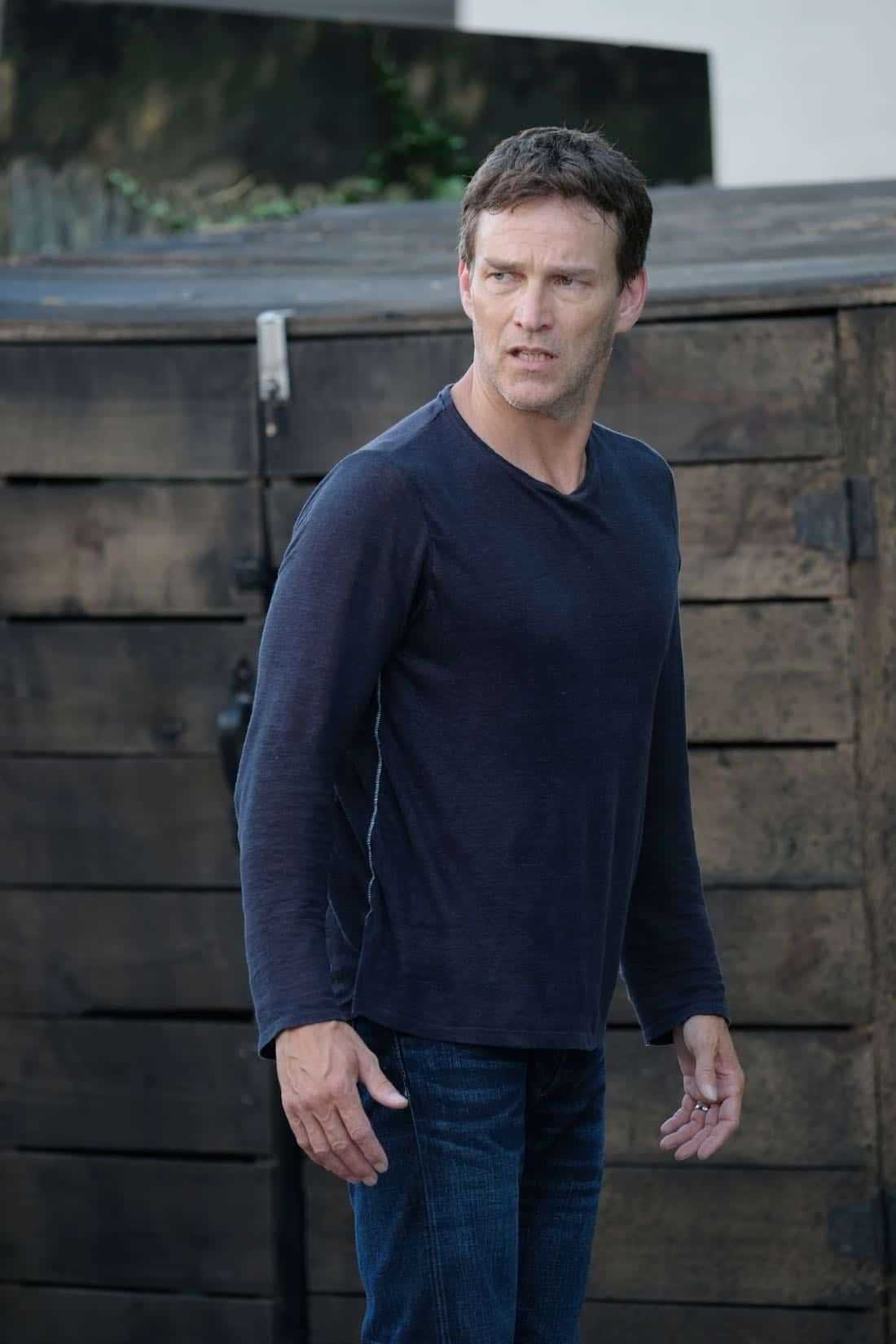 "THE GIFTED: Stephen Moyer in the ""eXodus"" episode of THE GIFTED airing Monday, Oct. 16 (9:00-10:00 PM ET/PT) on FOX. ©2017 Fox Broadcasting Co. Cr: Eliza Morse/FOX"
