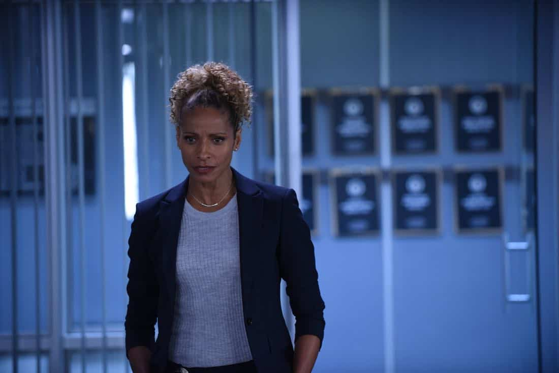 """LETHAL WEAPON: Guest star NAME in the """"Flight Risk"""" episode of LETHAL WEAPON airing Tuesday, Oct. 17 (8:00-9:00 PM ET/PT) on FOX. ©2017 Fox Broadcasting Co. CR: Ray Mickshaw/FOX"""
