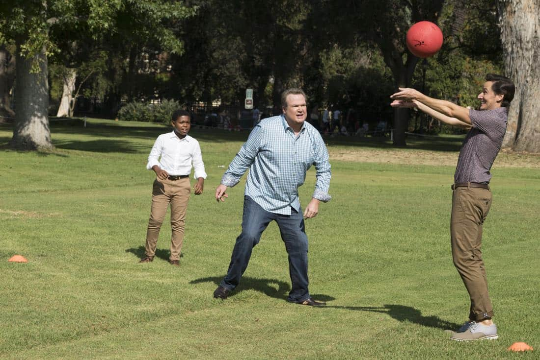 "MODERN FAMILY - ""Sex, Lies & Kickball"" - Jay's best friend, Shorty, is back from Costa Rica and stays at the house so they can catch up and reconnect. However, Shorty is spending more time with Gloria and seems to be avoiding Jay. Meanwhile, Alex is ready to shed her good-girl image and is going to prove to Claire that her relationship with Ben is definitely a sexual relationship, on ""Modern Family,"" WEDNESDAY, OCTOBER 18 (9:00-9:31 p.m. EDT), on The ABC Television Network.  (ABC/Ron Tom) CEDRIC JOE, ERIC STONESTREET, CHRISTIAN BARILLAS"