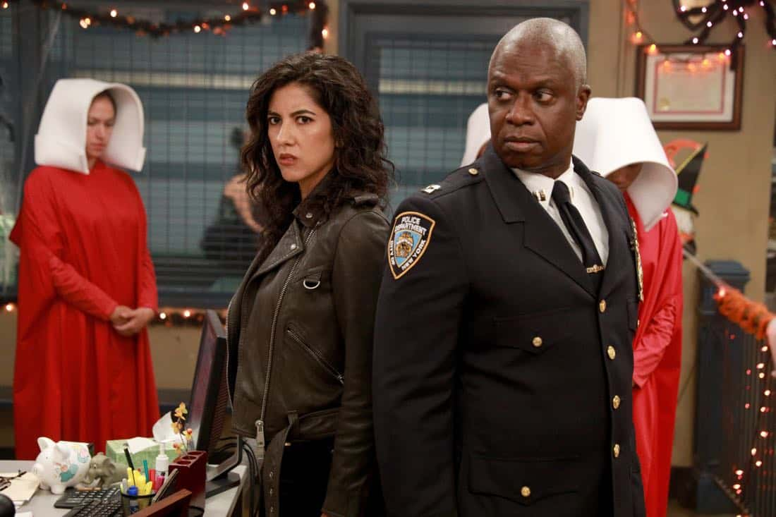 BROOKLYN NINE-NINE: L-R: Stephanie Beatriz and Andre Braugher in the ???HalloVeen??? episode of BROOKLYN NINE-NINE airing Tuesday, Oct. 17 (9:30-10:00 PM ET/PT) on FOX. CR: JORDIN ALTHAUS/FOX