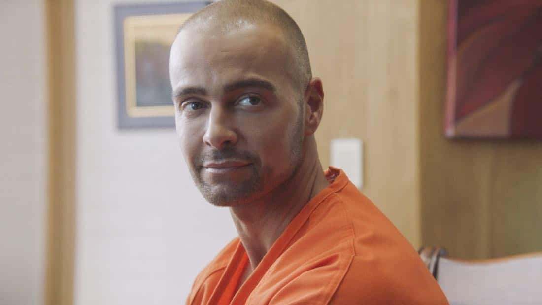 """E uhi wale no 'a'ole e nalo, he imu puhi"" -- The lives of Five-0's informants are in danger when the HPD system is hacked and one ends up dead, forcing McGarrett to enlist the help of hacker Aaron Wright (Joey Lawrence), who he just imprisoned, on HAWAII FIVE-0, Friday, Oct. 20 (9:00-10:00 PM, ET/PT) on the CBS Television Network. Pictured: Joey Lawrence as Aaron Wright. Photo credit: Screen Grab/©2017 CBS Broadcasting, Inc. All Rights Reserved.   (""E uhi wale no 'a'ole e nalo, he imu puhi"" is Hawaiian for ""No Matter How Much One Covers a Steaming Imu, The Smoke Will Rise"")"