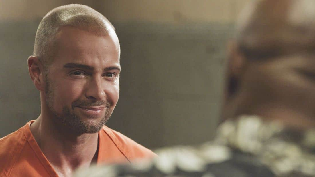 """""""E uhi wale no 'a'ole e nalo, he imu puhi"""" -- The lives of Five-0's informants are in danger when the HPD system is hacked and one ends up dead, forcing McGarrett to enlist the help of hacker Aaron Wright (Joey Lawrence), who he just imprisoned, on HAWAII FIVE-0, Friday, Oct. 20 (9:00-10:00 PM, ET/PT) on the CBS Television Network. Pictured: Joey Lawrence as Aaron Wright. Photo credit: Screen Grab/©2017 CBS Broadcasting, Inc. All Rights Reserved.   (""""E uhi wale no 'a'ole e nalo, he imu puhi"""" is Hawaiian for """"No Matter How Much One Covers a Steaming Imu, The Smoke Will Rise"""")"""